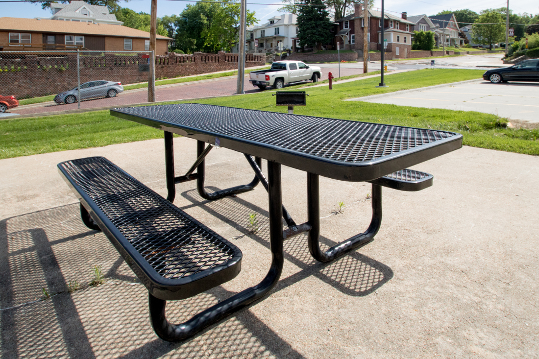 Picnic Area at 3 Point Apartments in Council Bluffs, IA
