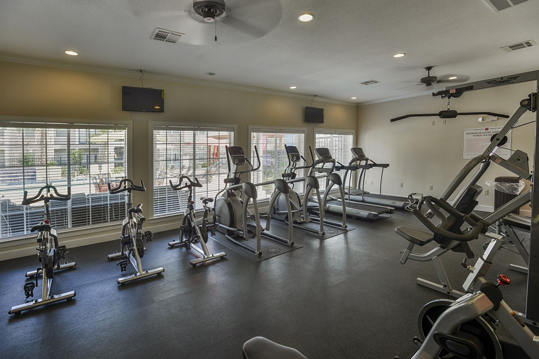 State-of-the-Art Fitness Center of the Aira at Rollingbrook Apartments in Baytown, TX