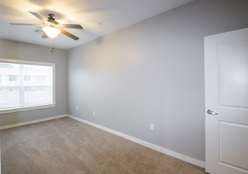 One-Bedroom Apartments for Rent at The Residence at Alsbury Apartments in Burleson, Texas