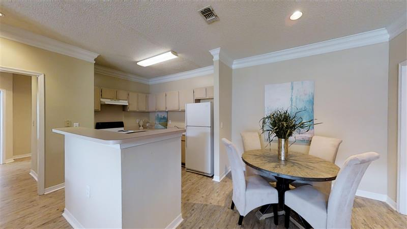 Spacious Apartment Homes at Appling Lakes Apartments in Cordova, Tennessee