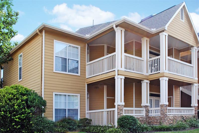 Apartments for Rent in Cordova at Appling Lakes Apartments in Cordova, Tennessee