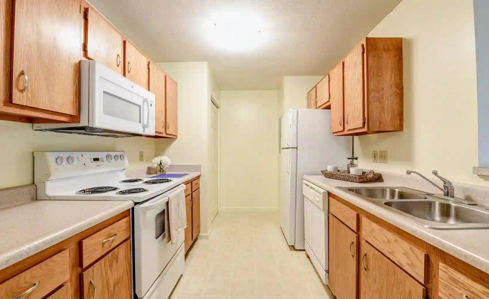White Appliances at Arbors of Lebanon Apartments in Lebanon, Ohio