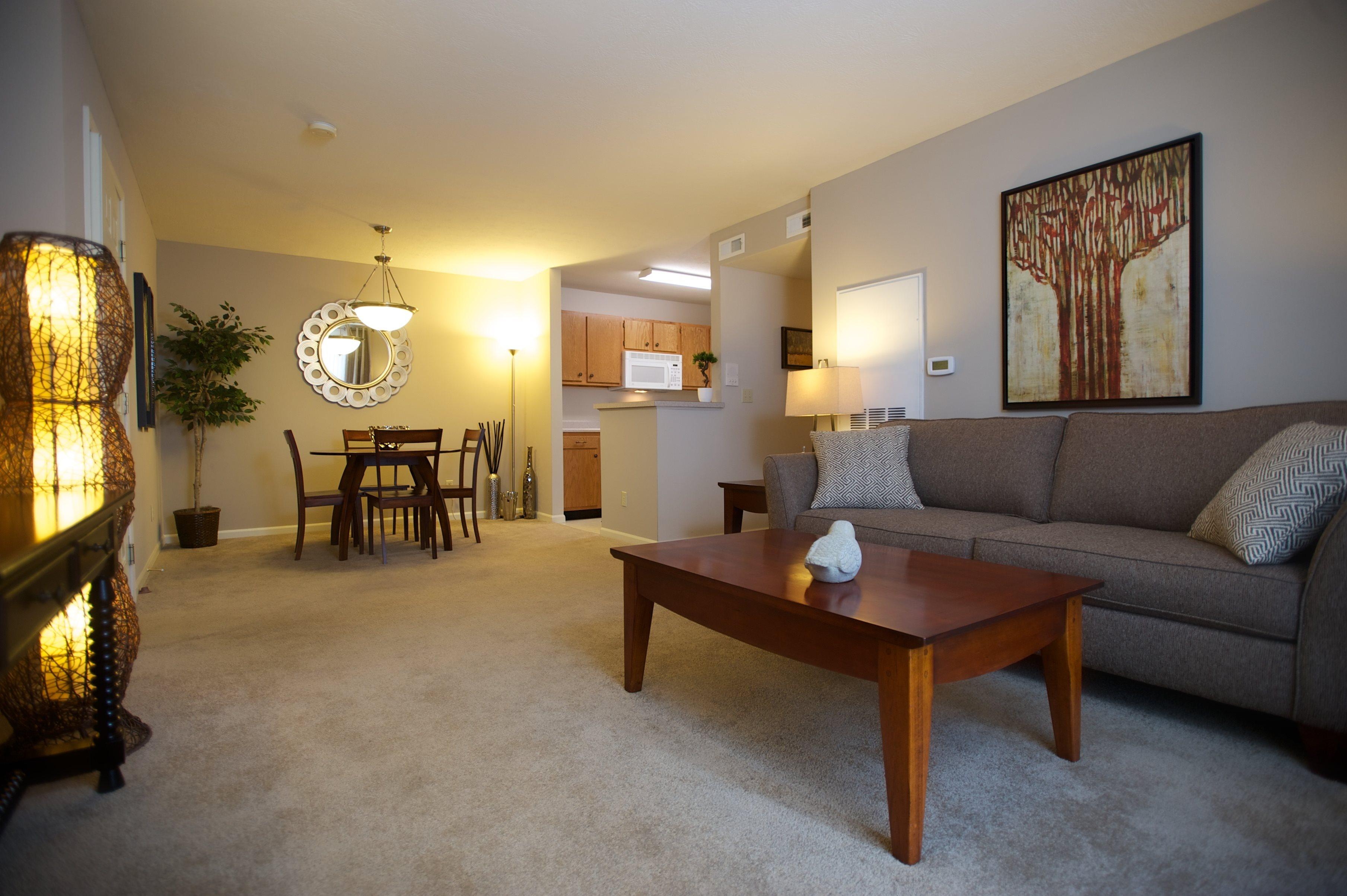 Plush Carpeted Floors at Arbors of Lebanon Apartments in Lebanon, Ohio