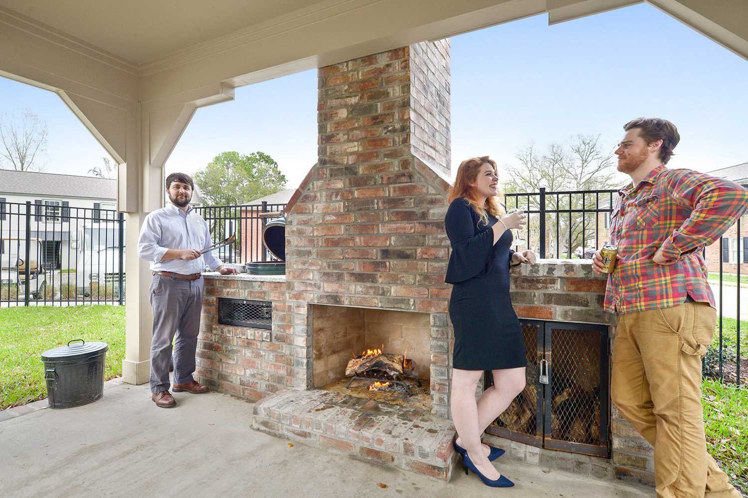 Outdoor Fireplace at Ardendale Oaks Apartments in Baton Rouge, Louisiana
