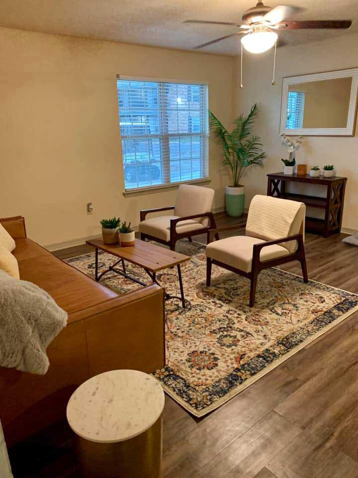 Studio Apartments for Rent at Ardendale Oaks Apartments in Baton Rouge, Louisiana