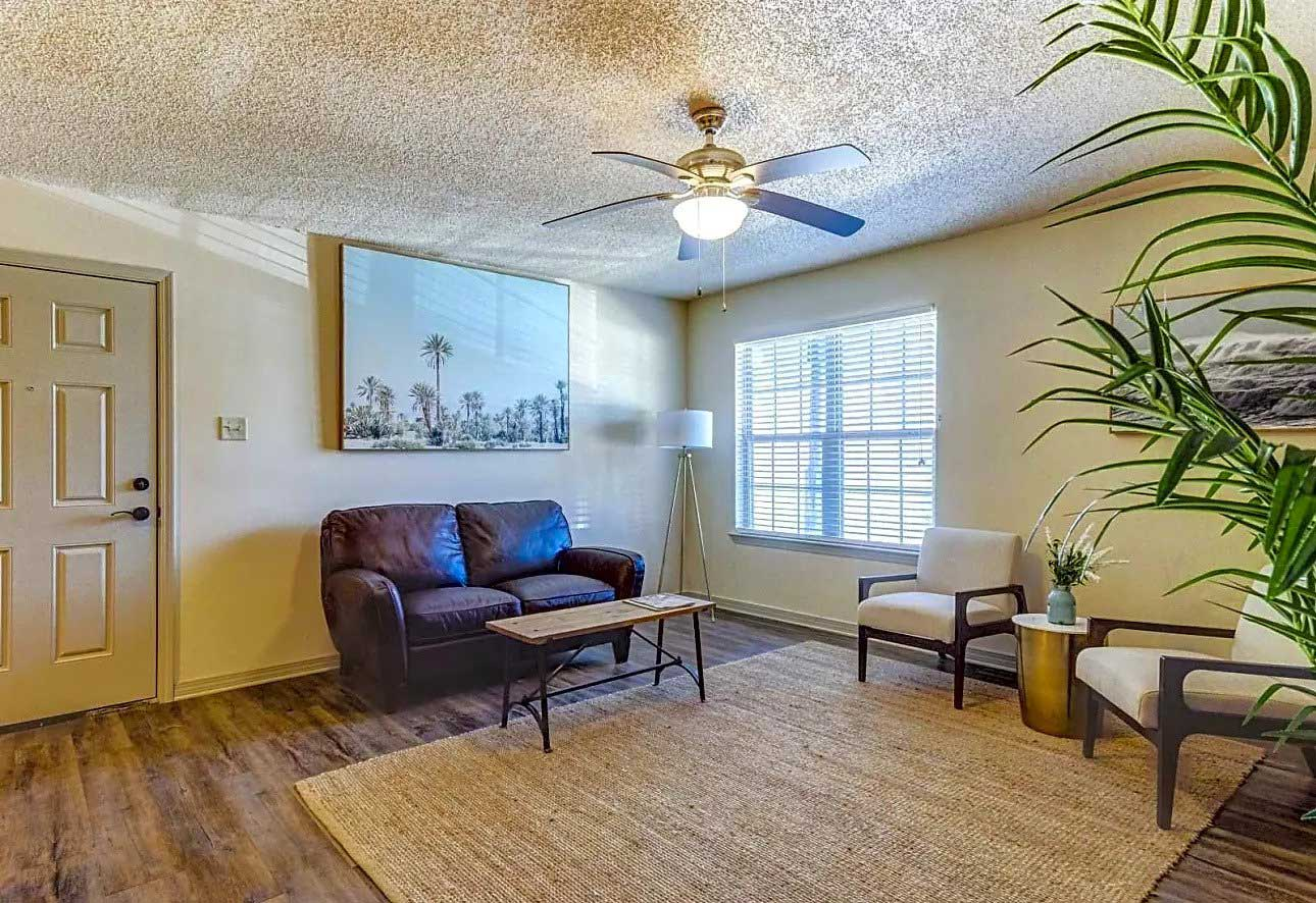 Renovated Apartment Interiors at Ardendale Oaks Apartments in Baton Rouge, Louisiana