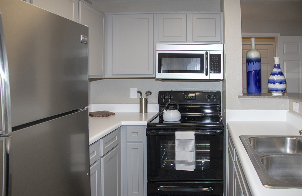 Modern Kitchen at Ashford Apartments in Carrollton, Texas