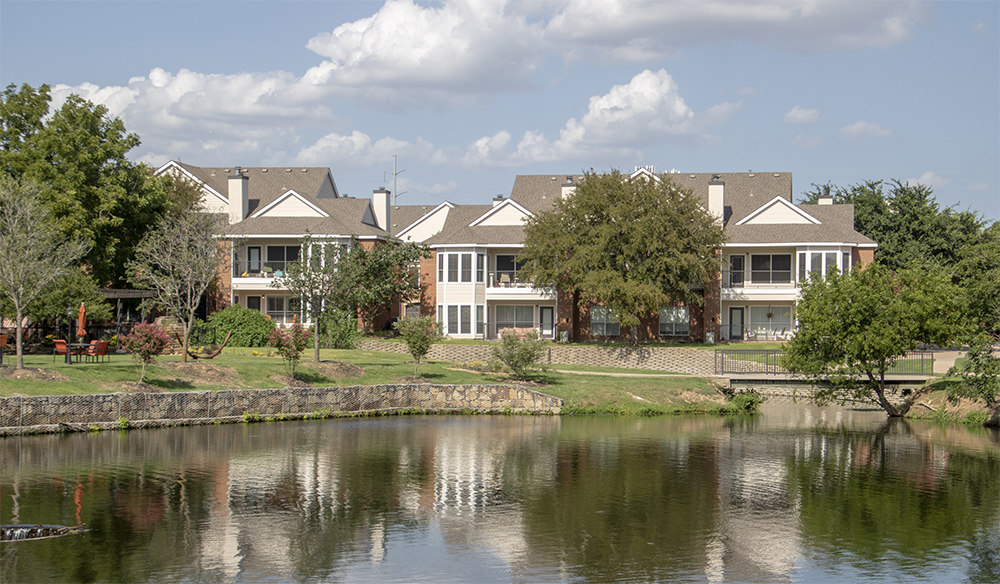 Gorgeous Landscaping at Ashford Apartments in Carrollton, Texas