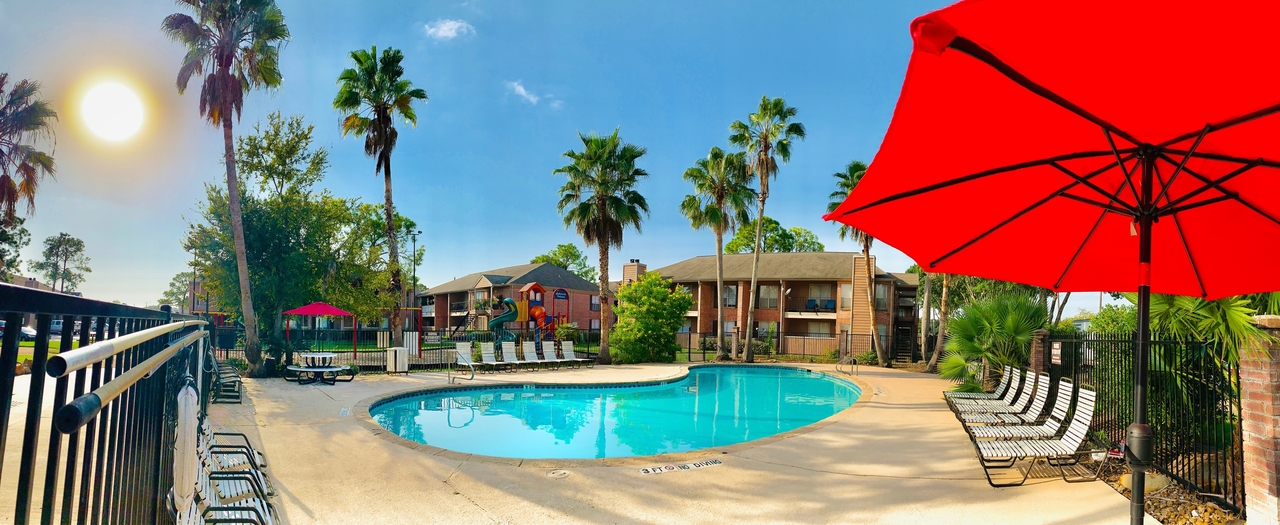 Resort Style Pool at Ashford Pointe Apartments in Houston, Texas