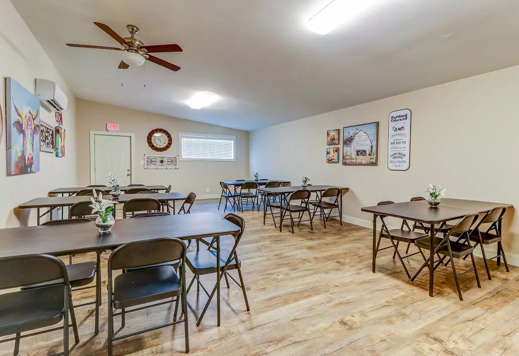 Community Room at Aspen Meadow Apartments in Hopkinsville, KY