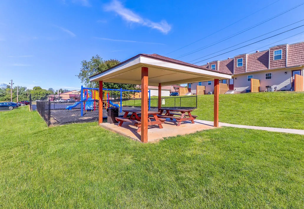 Shaded Seating at Aspen Meadow Apartments in Hopkinsville,  KY