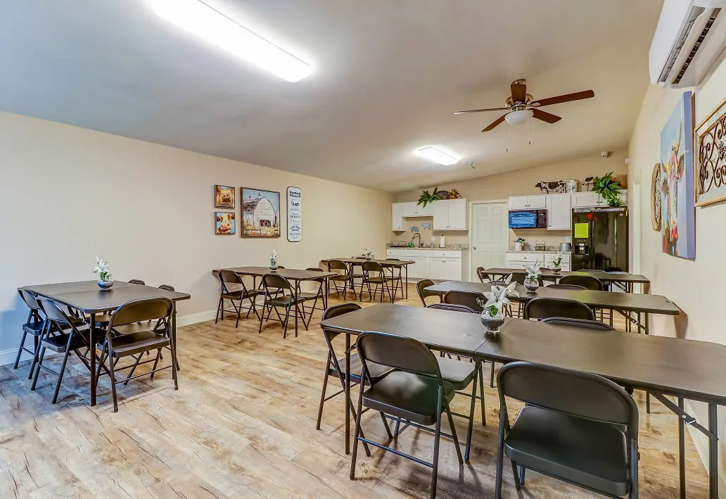 Community Center at Aspen Meadow Apartments in Hopkinsville, KY