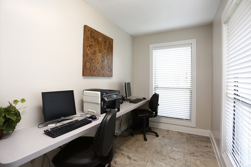 Professional Business Center at Augusta Commons Apartments in Marietta, Georgia
