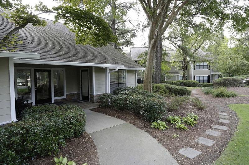 Exterior of the Augusta Commons Apartments in Marietta, GA