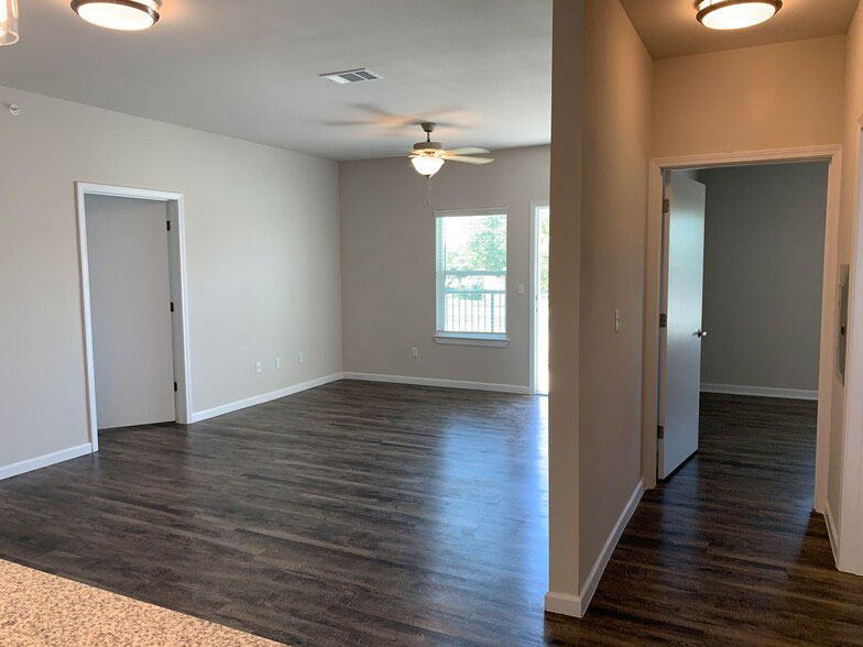 Open Living Areas w/ High Ceilings at Colorado Creek Apartment Homes in Austin, TX