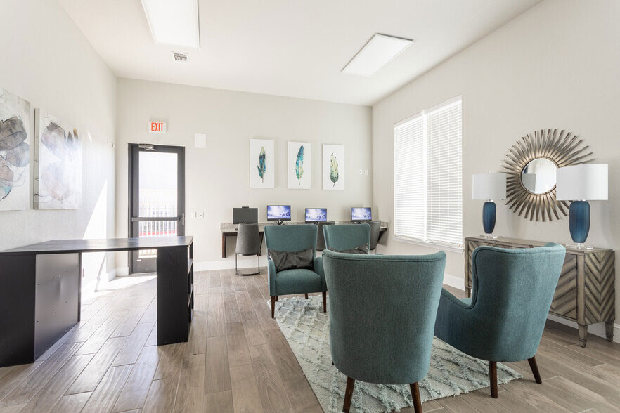 Business Center at Colorado Creek Apartment Homes in Austin, TX