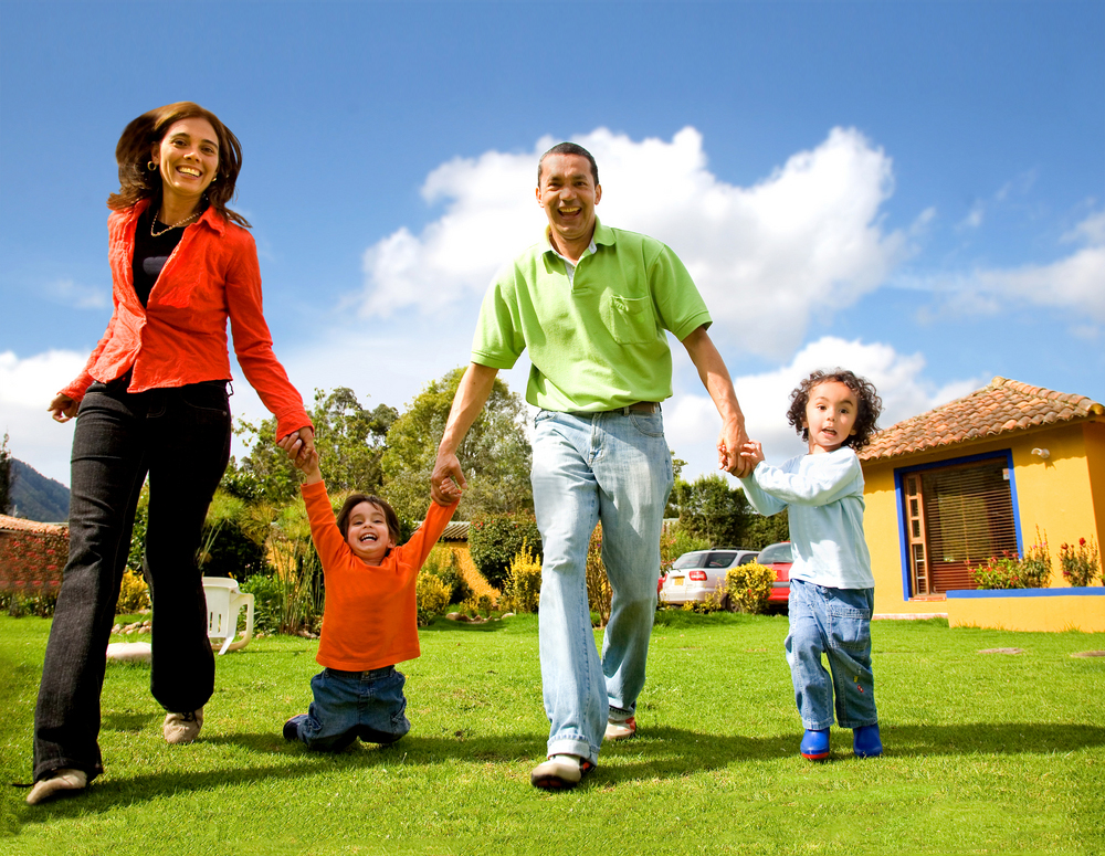 Family-Friendly Community at Austin Creekview Apartments in Austin, Texas