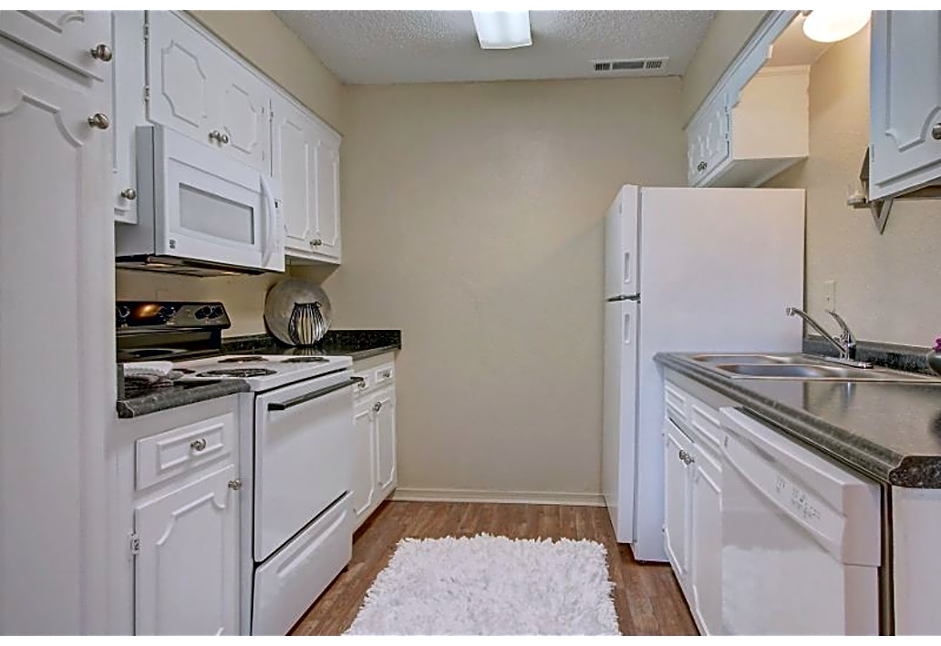 Full-Size Appliances at Autumn Woods Apartments in Tulsa, Oklahoma