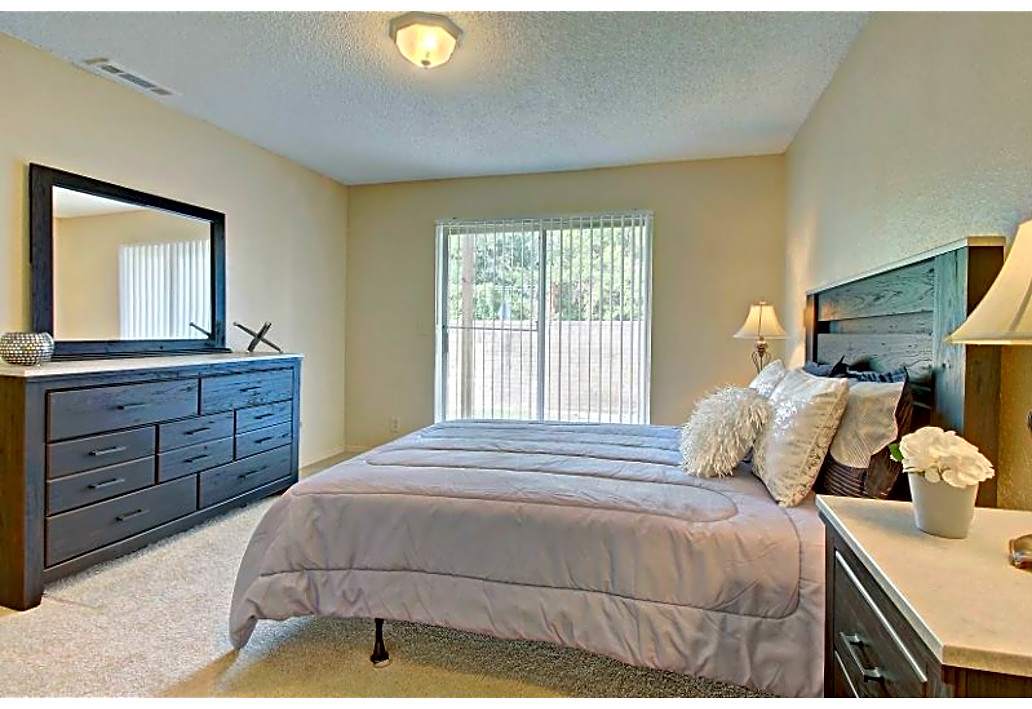 One-Bedroom Apartments at Autumn Woods Apartments in Tulsa, Oklahoma