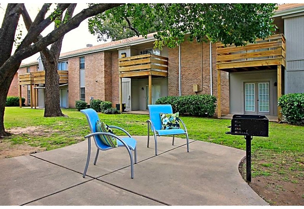 Peaceful Community at Autumn Woods Apartments in Tulsa, Oklahoma