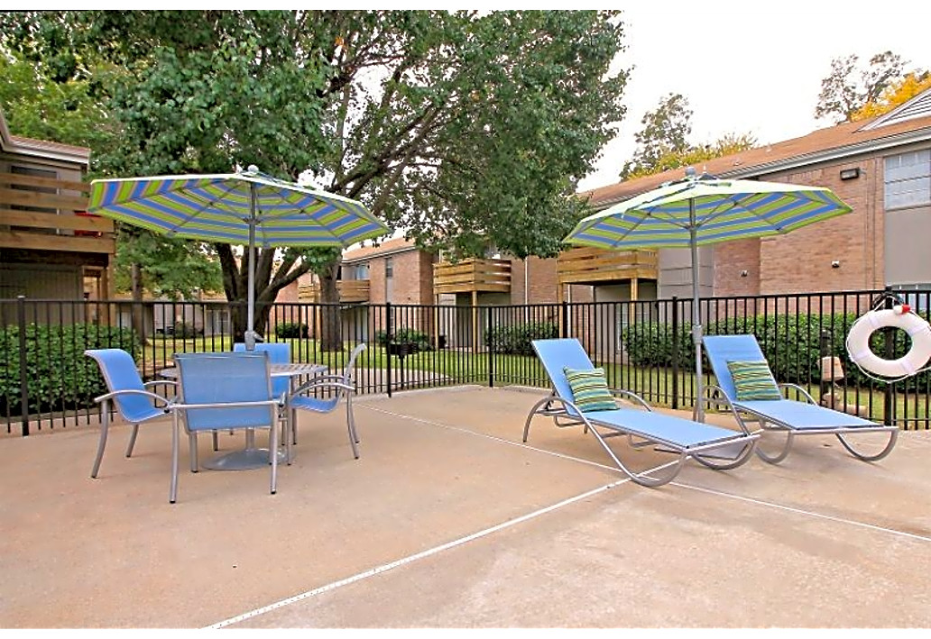 Lounge Furniture at Autumn Woods Apartments in Tulsa, Oklahoma