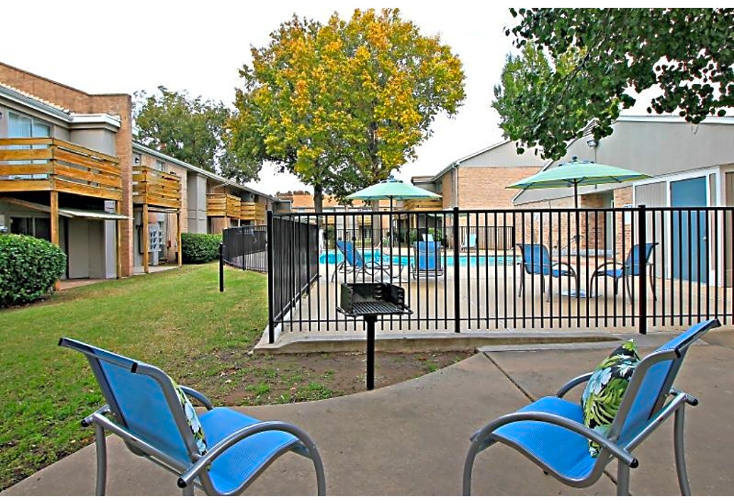 Grill at Autumn Woods Apartments in Tulsa, Oklahoma