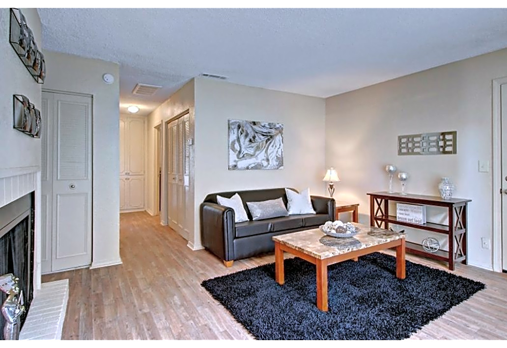 Two-Bedroom Apartments at Autumn Woods Apartments in Tulsa, Oklahoma