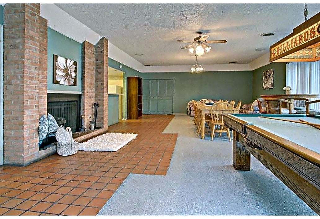 Community Clubhouse at Autumn Woods Apartments in Tulsa, Oklahoma