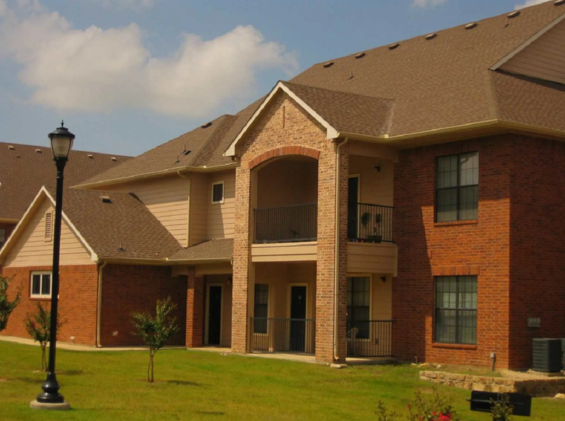 Exterior at the Aventine Apartments at Fort Worth, TX