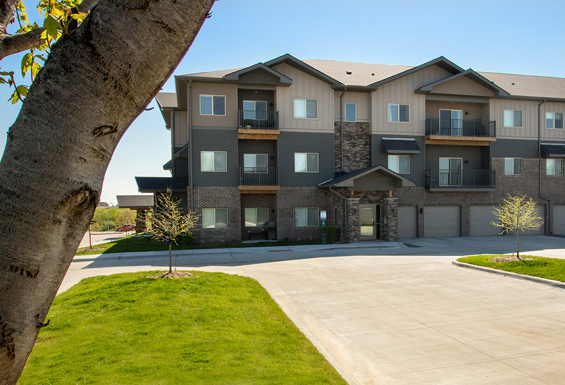 Stylish Apartment Homes at Avenue 204 at Royal View Apartments in Gretna, Nebraska