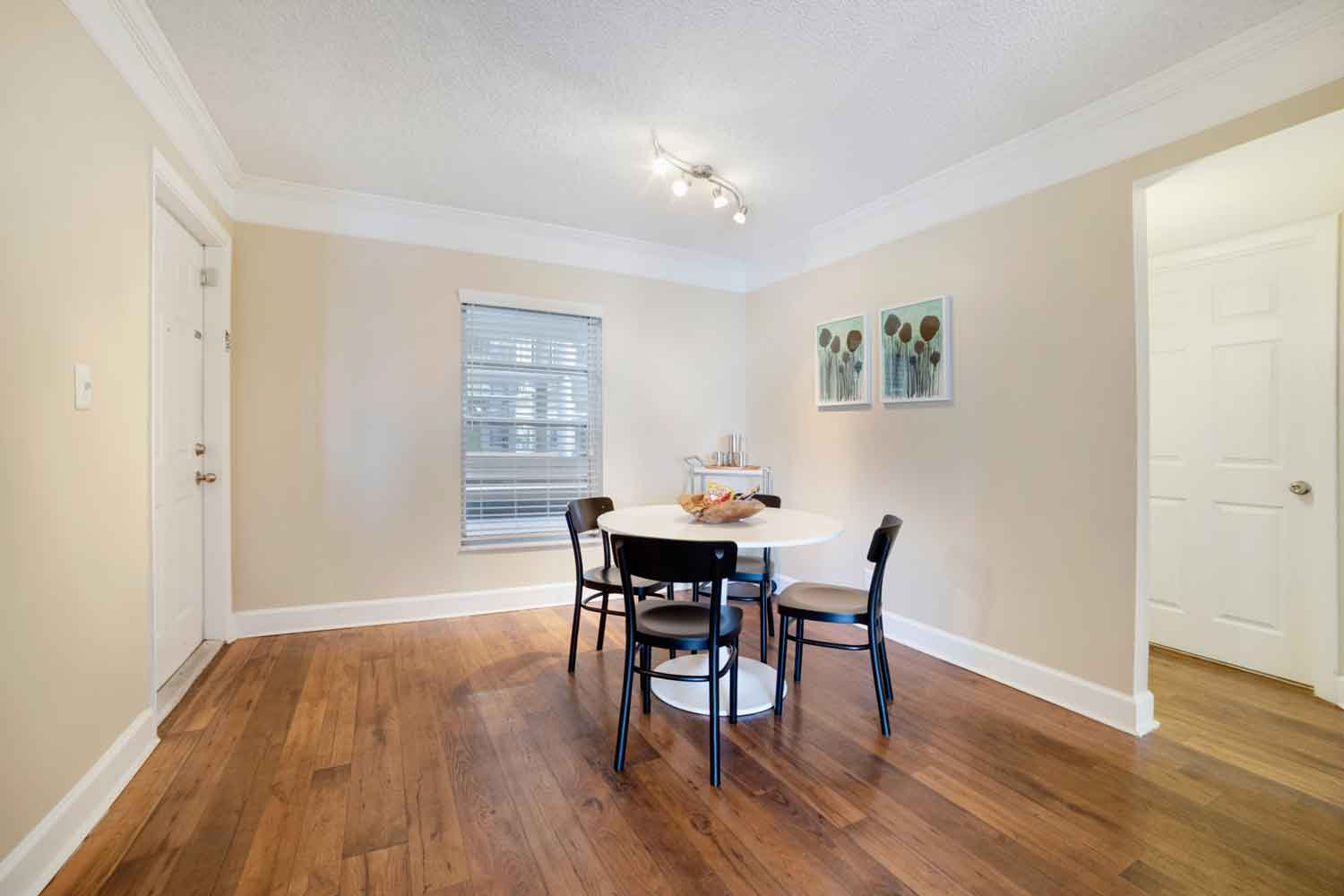 Separate Dining Area at Nottingham Pine Apartments in Plantation, FL
