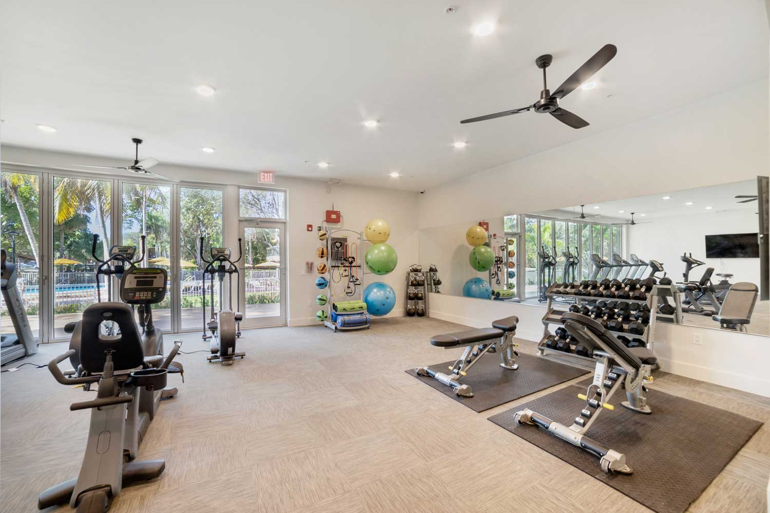 Free Weights at Nottingham Pine Apartments in Plantation, FL