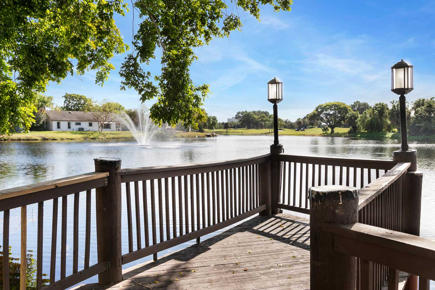 Waterfront View with Fountain at Nottingham Pine Apartments in Plantation, FL