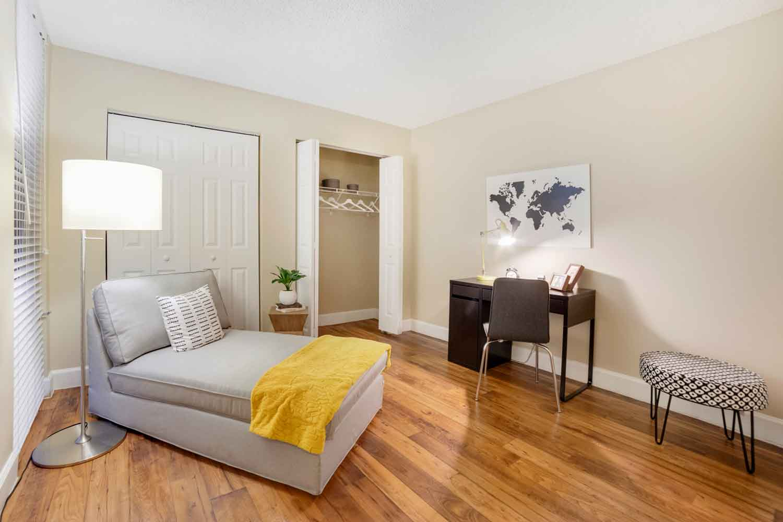 Studio Apartments at Nottingham Pine Apartments in Plantation, FL