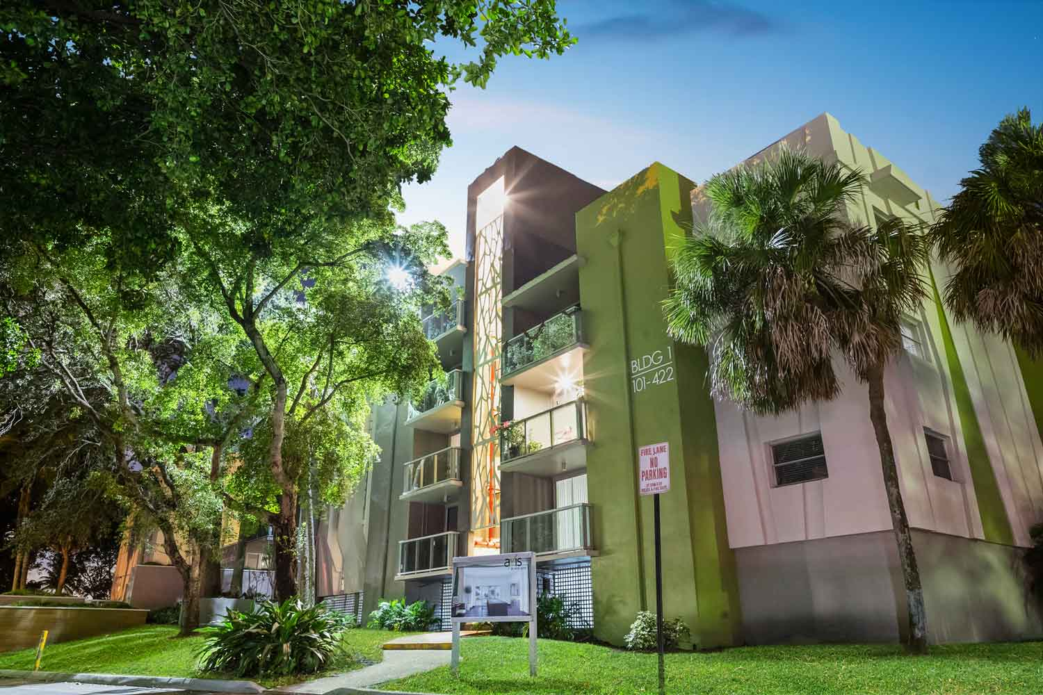 Apartments for Lease in Plantation at Nottingham Pine Apartments in Plantation, FL