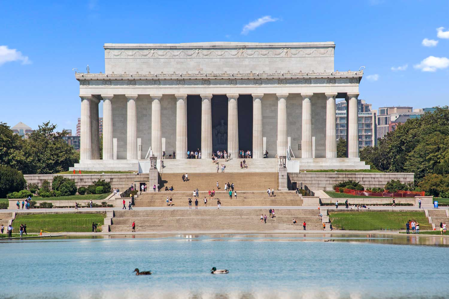15 minutes to The Lincoln Memorial in Washington, D.C.