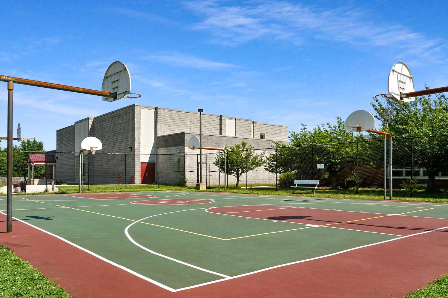 Basketball court within walking distance from Barcroft View Apartments