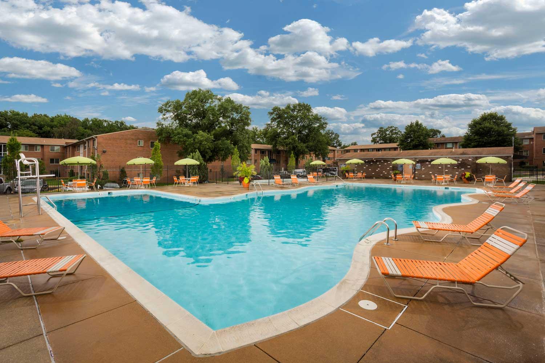 Relaxing swimming pool at Barcroft View Apartments in Falls Church, VA