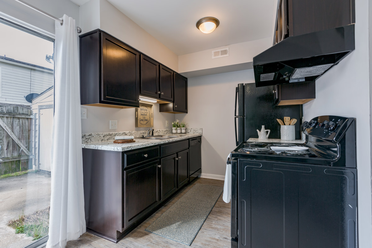 Fully Equipped Kitchen at BayPointe Crossing Apartments in Virginia Beach, Virginia