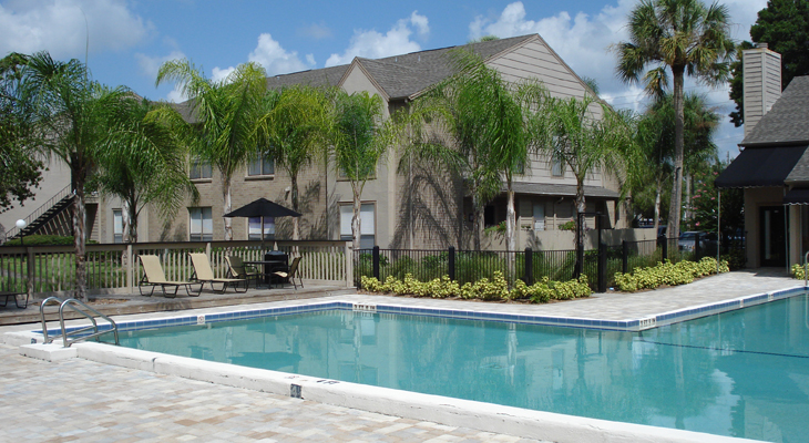 Swimming Pool at the Baywater Apartments in Tampa, FL