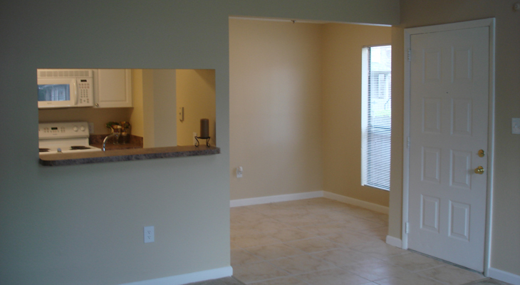 View of Entrance and Dining Area at the Baywater Apartments in Tampa, FL