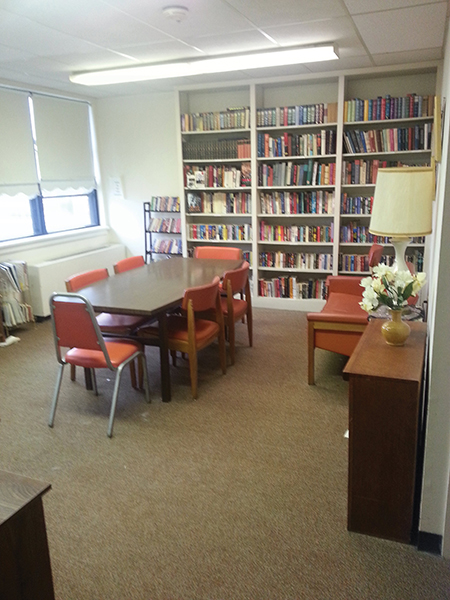 Library at B'nai B'rith Senior Apartments in Wilkes-Barre, PA