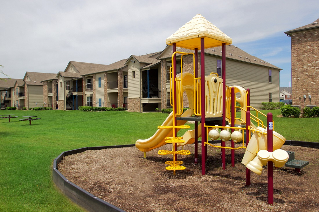 Family Friendly Living at Beaumont Trace Apartments in Beaumont, TX