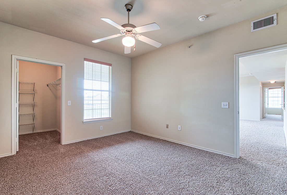 Ceiling Fans with Overhead Lighting at Beaumont Trace Apartments in Beaumont, TX