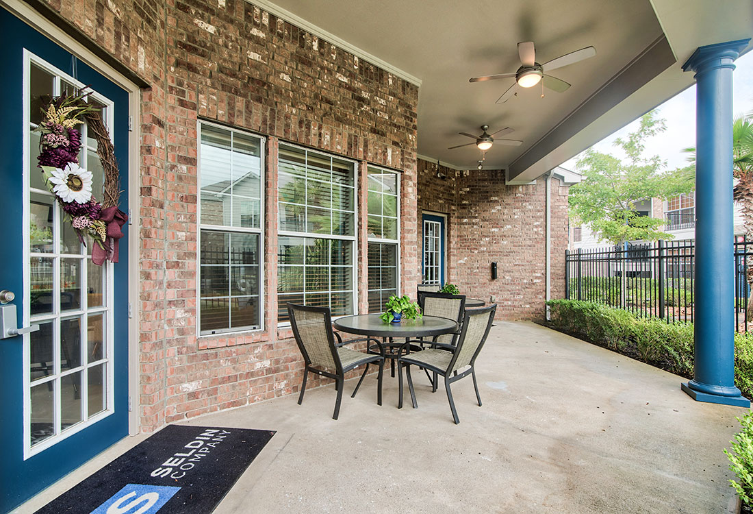 Outdoor, Community Patio at Beaumont Trace Apartments in Beaumont, TX