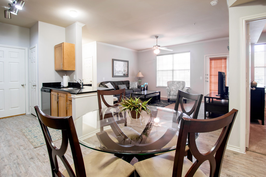Dining Area at Beaumont Trace Apartments in Beaumont, TX