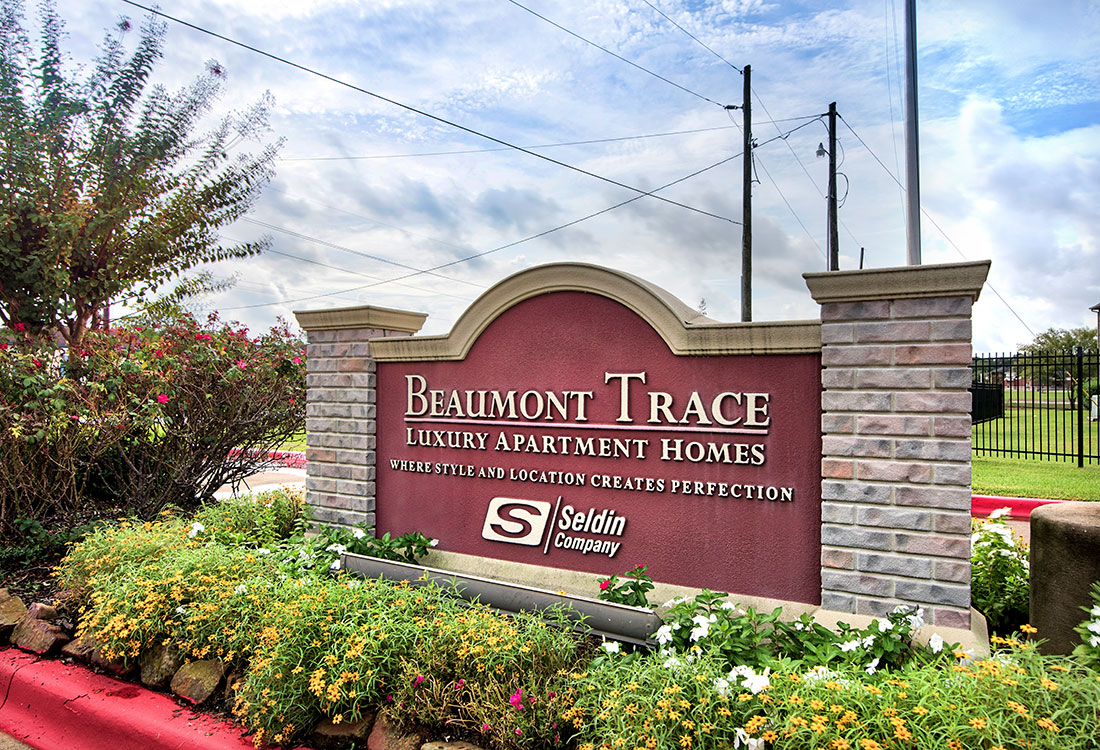 Entrance at Beaumont Trace Apartments in Beaumont, TX