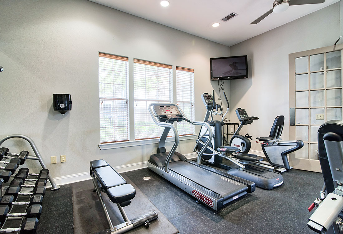 Fitness Center at Beaumont Trace Apartments in Beaumont, TX