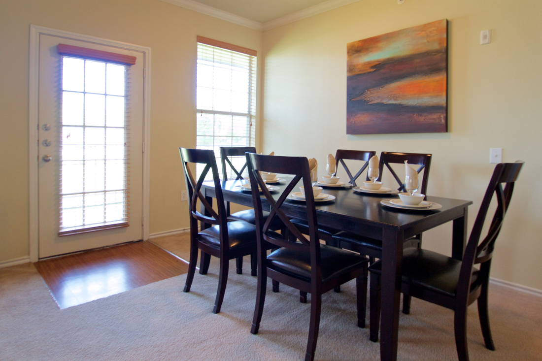 Classic Dining Rooms at Beaumont Trace Apartments in Beaumont, TX