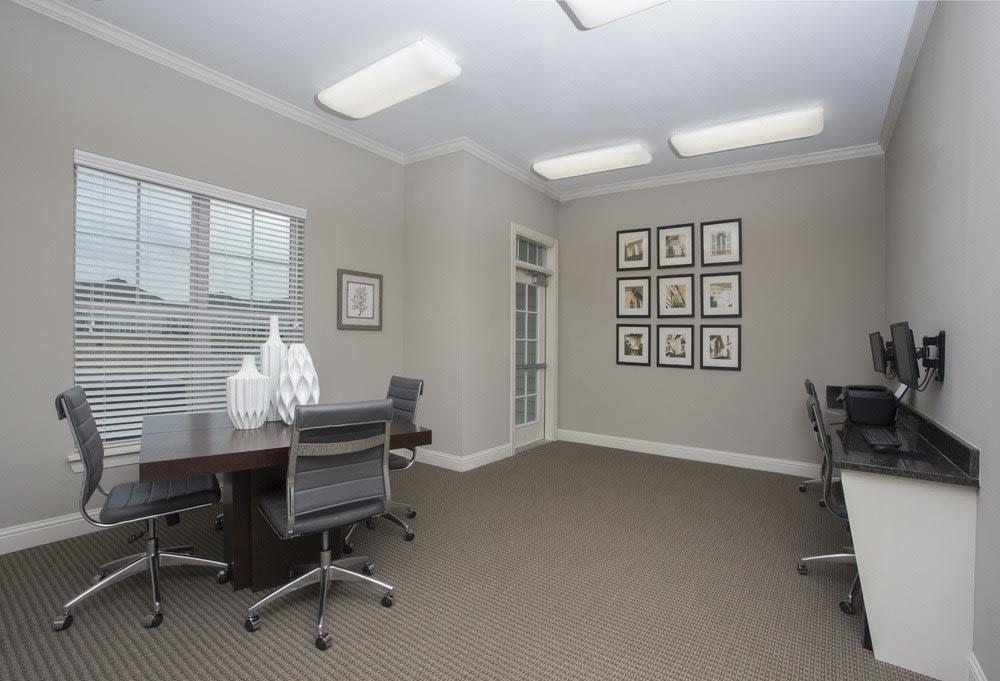 Business Center at Belle Savanne Luxury Apartment Homes in Sulphur, LA